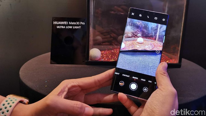 Huawei Mate 30 Pro. Foto: detikINET/Anggoro Suryo Jati