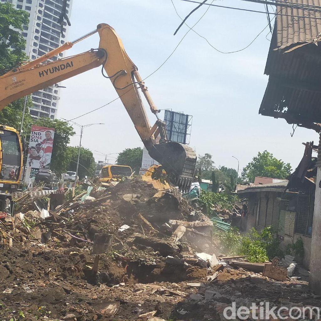 Pasar Unggas Keputran Dijauhkan dari Jalan Raya untuk Kurangi Bau Tak Sedap