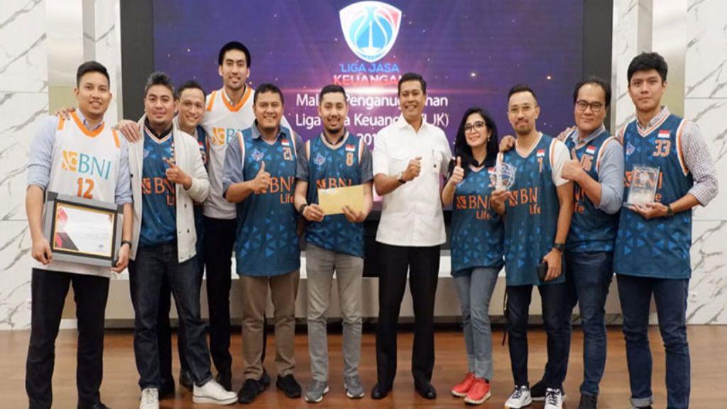 Tim BNI Life Sabet Juara Basket di Liga Jasa Keuangan