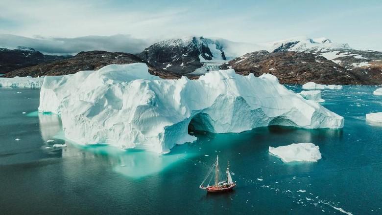 Foto: Ilustrasi es di Samudera Arktik (iStock)