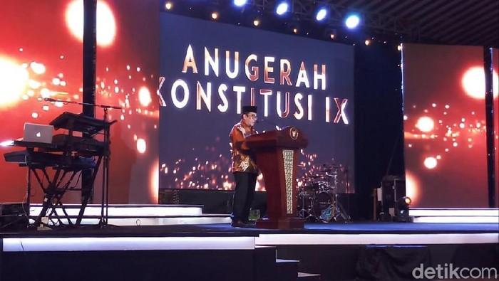 Menag Fachrul Razi meminta guru PKN untuk menumbuhkan sikkap kritis siswa agar terhindar dari hoax (Farih Maulana/detikcom)