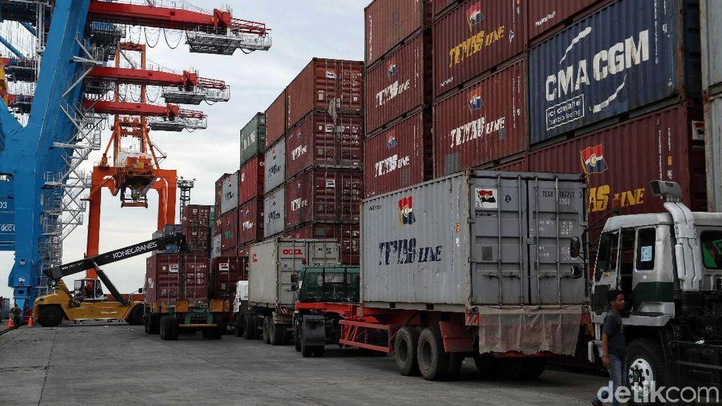 Jurus Kemenhub Turunkan Biaya Kargo di Pelabuhan