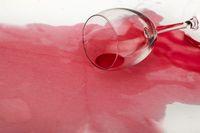 Ilustrasi wine tumpah.