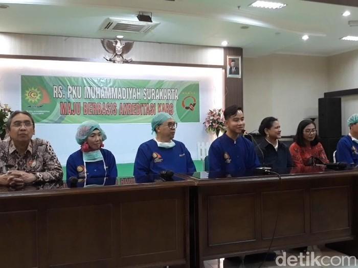 Jumpa pers kelahiran anak kedua Gibran, di RS PKU Muhammadiyah Solo, Jumat (15/11/2019). Foto: Bayu Ardi Isnanto/detikcom