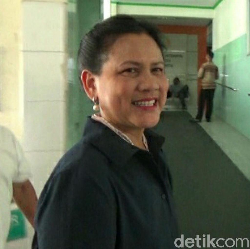 Iriana Jokowi Dampingi Selvi Ananda: Doakan Sehat, Nggih