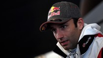 Ngeri! Johann Zarco Jungkir Balik Ditabrak Motor KTM di Valencia