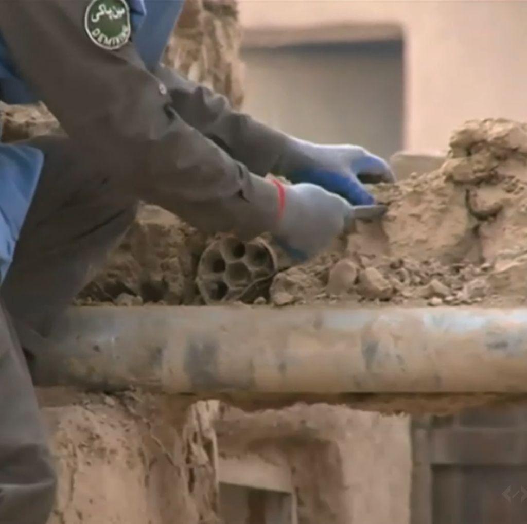 Foto: Desa Berisikan 400 Bom Sisa Perang