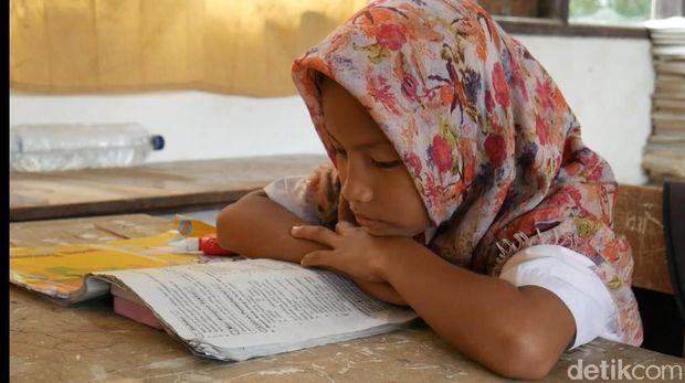 Proses belajar mengajar di SDN 004, Berambai, Sempaja Utara, Samarinda, Kaltim, memprihatinkan.