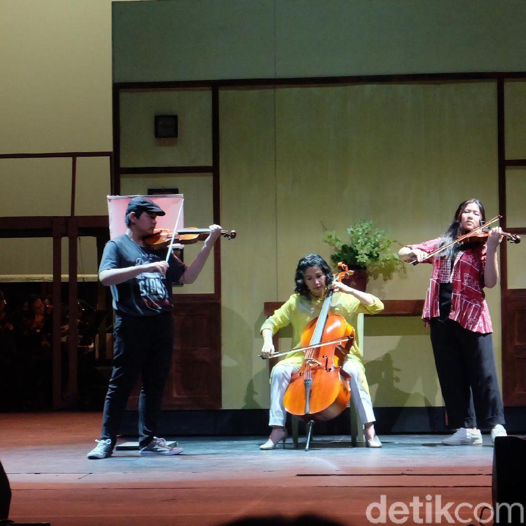 Kejutan! Veronica Tan Main Musik Bareng Anak di Operet Aku Anak Rusun 2