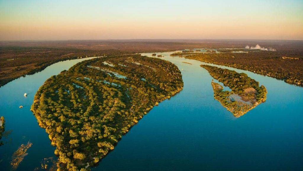 Sungai Cantik yang Punya Air Terjun Terbesar Dunia