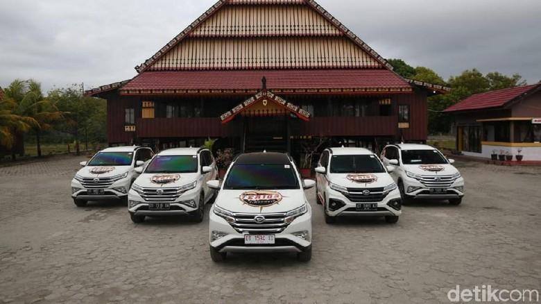 Rumah Adat Mekongga yang terletak ± 50 Km dari Bandara Sangia Ni Bendera ini merupakan duplikasi dari rumah peninggalan Raja Sangia Larumbalangi yang terkenal. Foto: Rangga Rahadiansyah