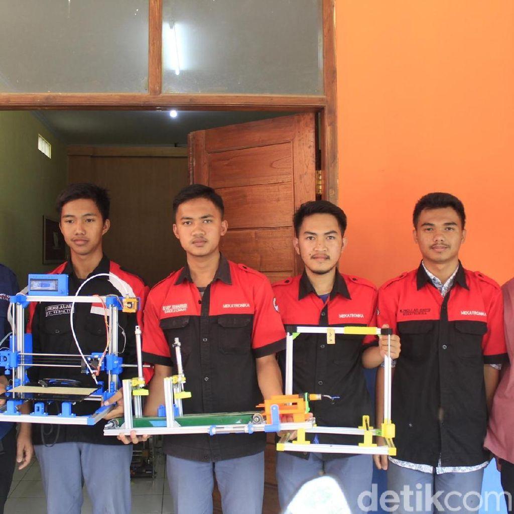 Keren! Siswa SMKN 2 Cimahi Bikin Printer 3D yang Ekonomis