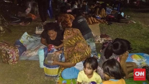 Suasana pengungsian warga pascagempa Ternate.