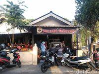 Mie Sapi Banteng: Antre Demi Menebus Kenikmatan Mie Khas Dusun Banteng