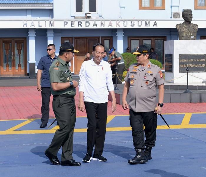 Foto: Jokowi bertolak ke Lampung (Biro Pers Setpers)