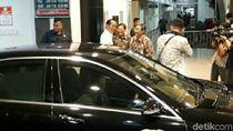 Jokowi Tengok Adik Jan Ethes di RS PKU Solo