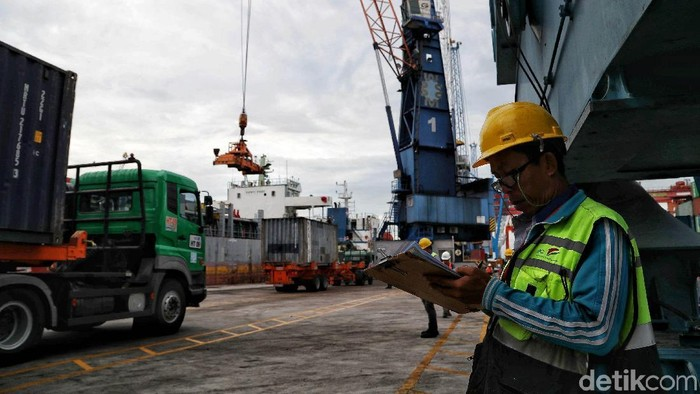 Pemerintah menargetkan pertumbuhan ekonomi Indonesia dapat menembus 5,3% di tahun 2020. BI pun optimis kabinet baru Jokowi dapat percepat laju ekonomi RI.