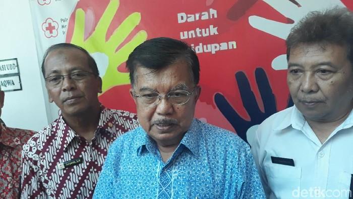 Ketua Umum Dewan Masjid Indonesia (DMI) Jusuf Kalla, di kantor PMI Kota Yogyakarta, Jumat (15/11/2019). Foto: Pradito Rida Pertana/detikcom