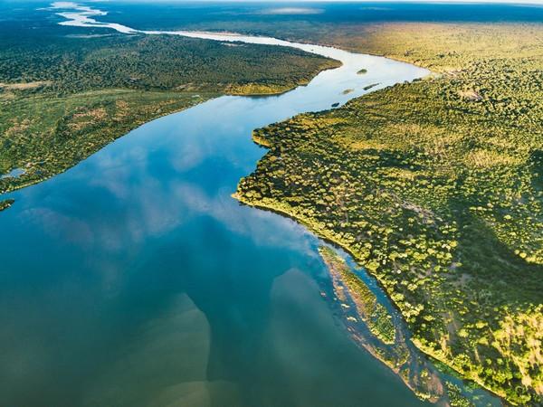 Sungai ini jadi yang ke-4 terpanjang di dunia. Sungai Zambezi sendiri memiliki kedalaman hingga 60 meter. (iStock)