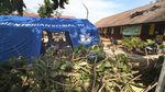 Atap Sekolah Rusak, Siswa Belajar di Tenda Darurat