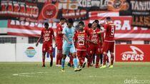 Dua Kali Main di Stadion Wibawa Mukti, Persija Kebanjiran Gol