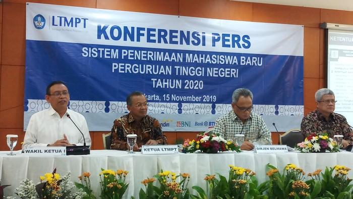 Foto: Konferensi pers di Kemendikbud (Farih-detikcom)