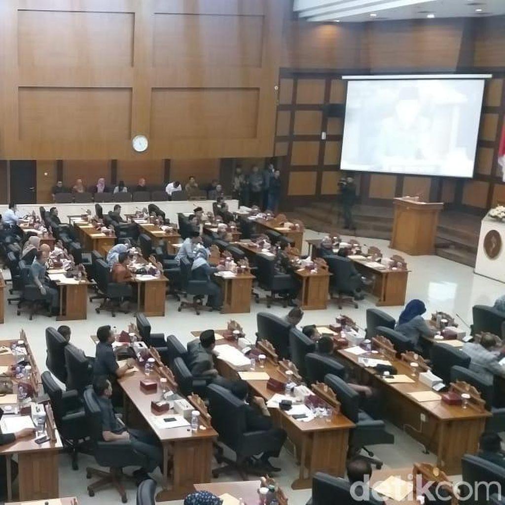 Ridwan Kamil Potong Gaji Kepala Dinas yang Absen Paripurna