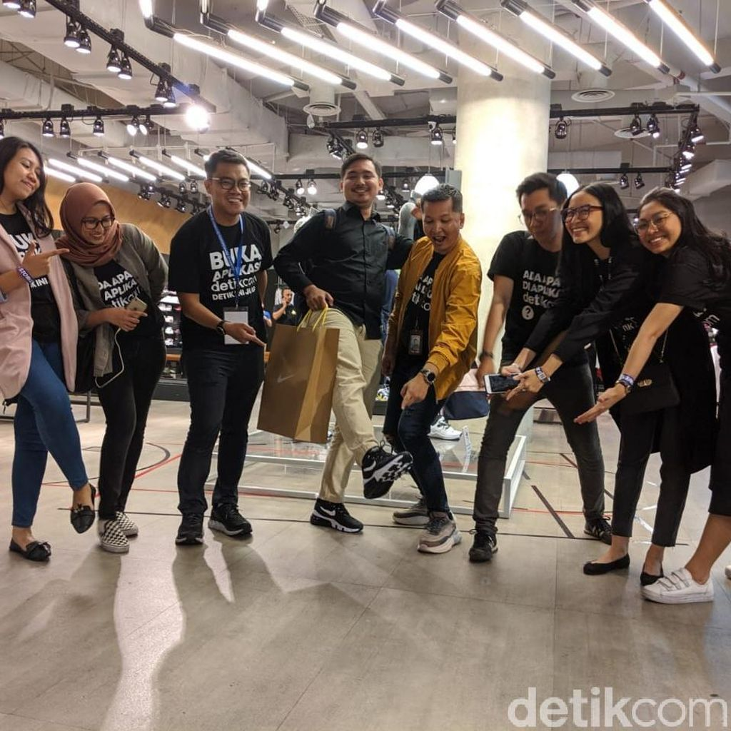 Aksi Nyeker di Senayan City Demi Giveaway detikcom SMW 2019