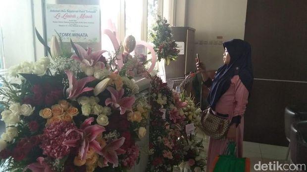 Kelahiran Cucu Ketiga Jokowi, Karangan Bunga Banjiri RS PKU Solo
