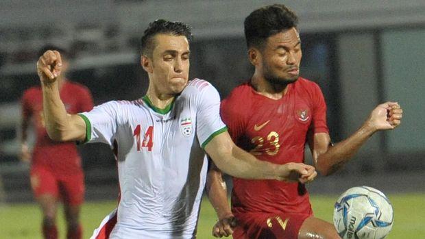 Timnas Indonesia U-23 saat menggelar uji coba lawan Iran.