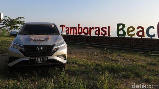 Ajang Terios 7 Wonders singgah di Sungai Tamborasi, Kabupaten Kolaka, Provinsi Sulawesi Tenggara. Sungai Tamborasi adalah sungai terpendek di dunia.