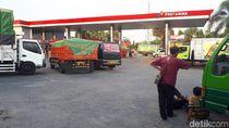 Solar Langka di Bojonegoro, Kendaraan Menumpuk di SBPU Berjam-jam