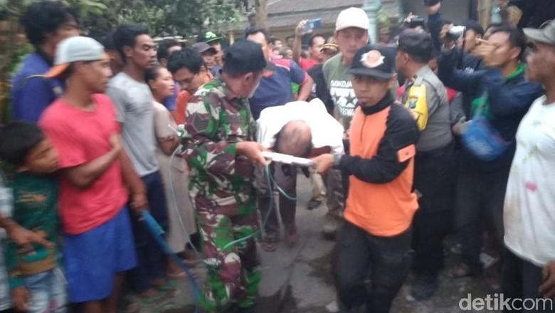 Enam Jam Terjebak di Dalam Sumur, Warga Kediri Ini Hanya Pingsan