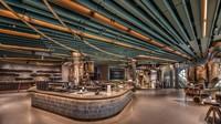 Di gerai ini, pengunjung dapat melihat, mendengar, dan belajar tentang perjalanan kopi yang luar biasa sambil menikmati menu yang menampilkan minuman unik dan eksklusif.Foto: Dok. Starbucks