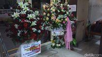 Karangan Bunga Menhan Prabowo dan Ketua MPR untuk Cucu Ketiga Jokowi