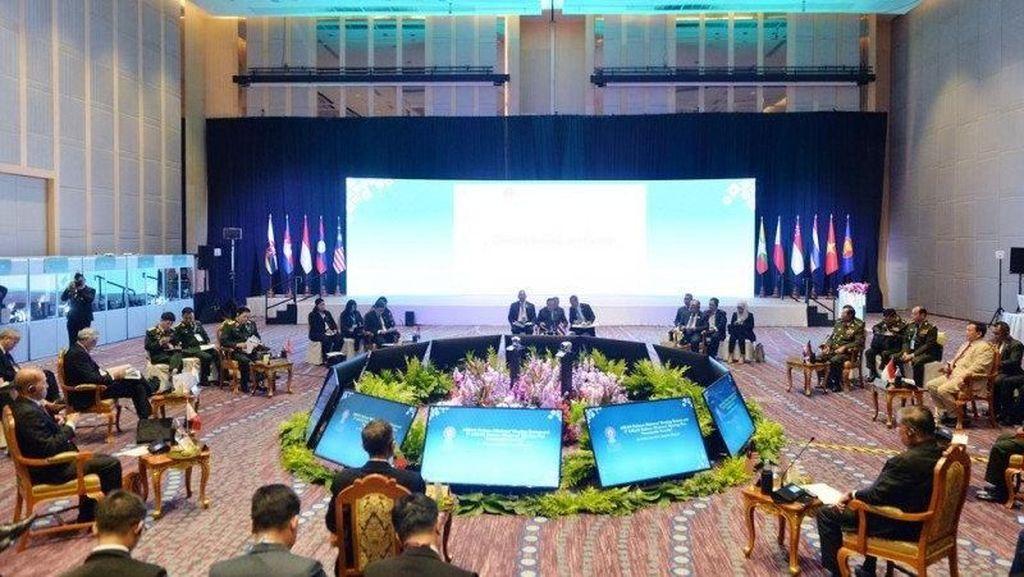 Prabowo: ASEAN Harus Jadi Penyeimbang di Kawasan Indo-Pasifik