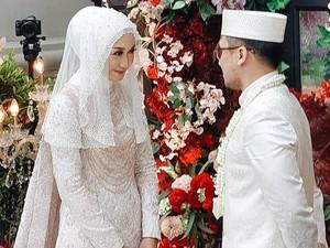 Menikah Lagi, Gaya Dian Pelangi Terinspirasi dari Pengantin Thailand