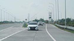 Rombongan Toyota Jepang Cicipi Kondisi Jalanan Indonesia