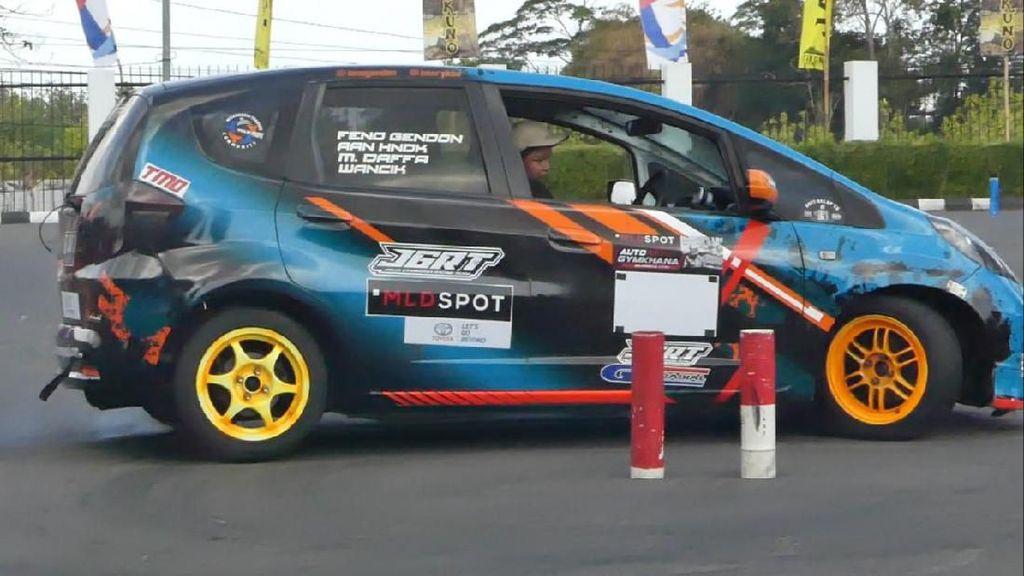 Aksi Slalom Bocah Berumur 12 Tahun Asal Yogyakarta
