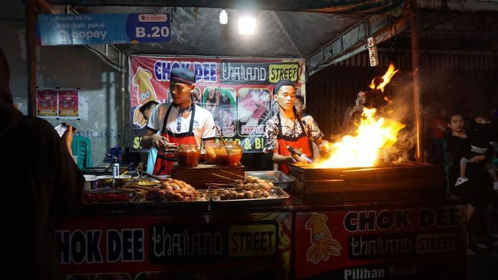 Bukan di Thailand, Ini Street Food di Semarang