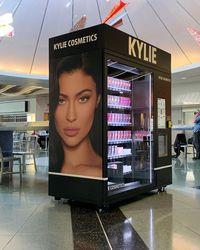 Makin Tajir, Kylie Jenner Jual Saham Brand Kecantikannya Senilai Rp 8 T
