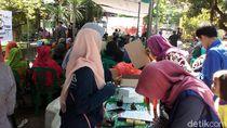 Puluhan Komunitas di Surabaya Gelar Baksos di Rusunawa