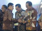 Fokus Bangun Smart City, Walkot Semarang Dapat Anugerah Ki Hajar
