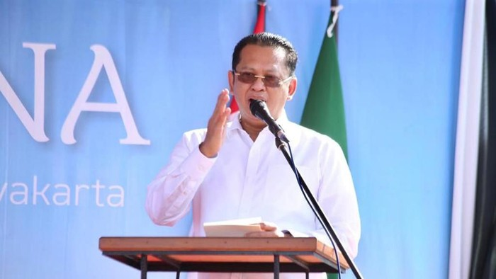 Ketua MPR Bambang Soesatyo letakkan batu pertama Masjid Muhammadiyah Yogyakarta, Sabtu (16/11/2019).