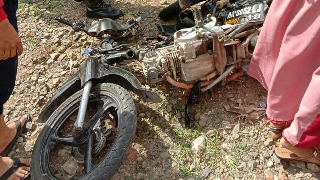 Seorang Pemotor Remaja di Kebumen Tewas Tertabrak KA