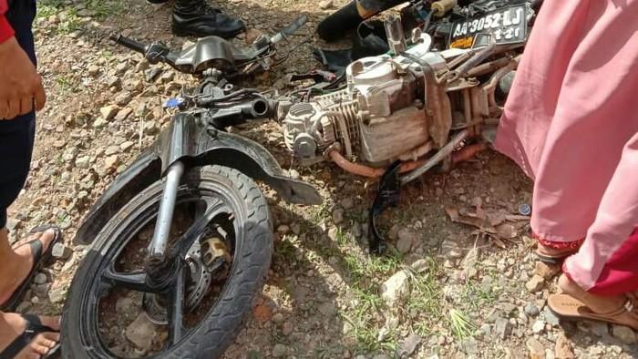 Seorang pemotor tewas tersambar kereta api di Kebumen. Foto: Dok PT KAI Daop 5 Purwokerto