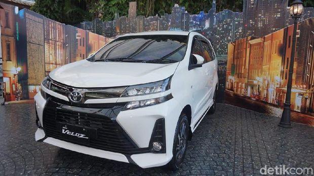Toyota Avanza menggunakan sistem penggerak roda belakang