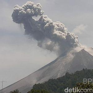 Gunung Merapi Meletus, Penerbangan Garuda Masih Normal