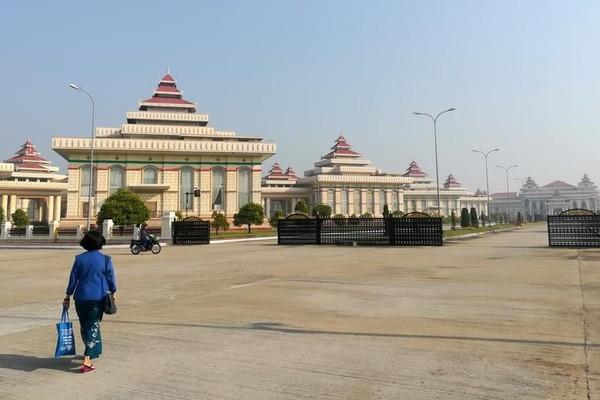 Ribuan hantu direlokasi dari pemakaman yang akan dijadikan biara dan pengadilan. (Reuters)