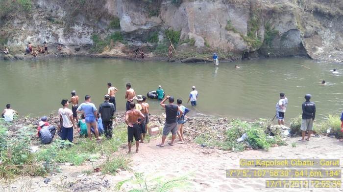 2 remaja tenggelam di Sungai Cimanuk, 1 telah ditemukan dalam kondisi tewas. (Foto: Dok. Polsek Cibatu)